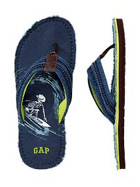 Surf graphic flip flops