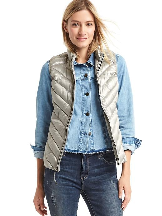 Gap Women Coldcontrol Lite Metallic Puffer Vest Size L Tall - Silver