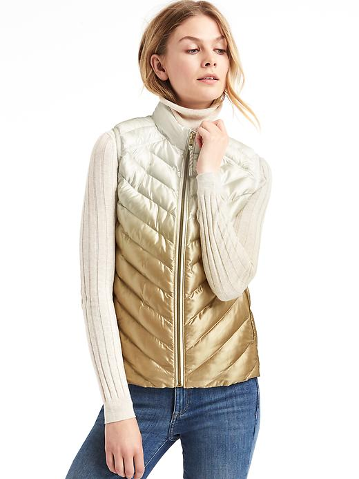 Gap Women Coldcontrol Lite Ombre Metallic Puffer Vest Size L - Neutral