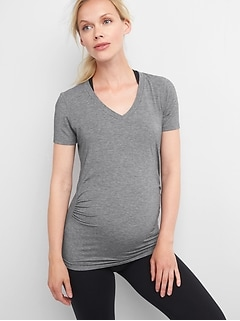 Maternity GapFit Breathe V-Neck T-Shirt