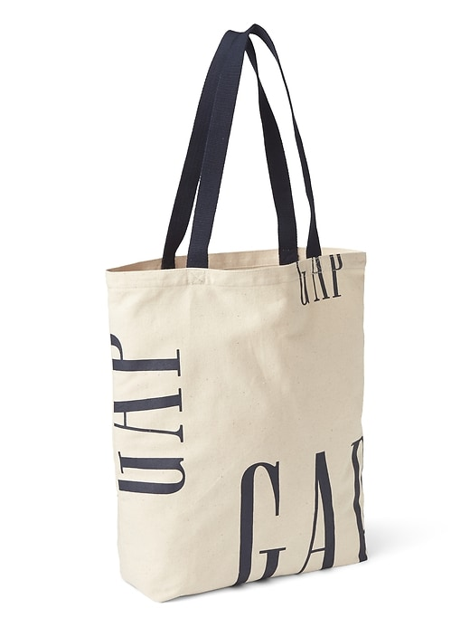 Logo Remix Shopper by Gap