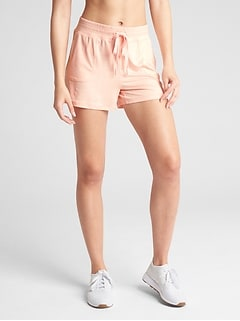 "GapFit 3.5"" Drawstring Shorts in Brushed Tech Jersey"