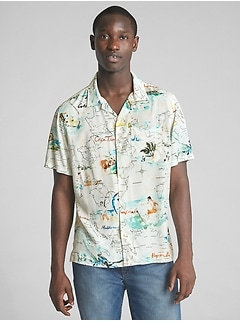 Standard Fit Tropical Print Short Sleeve Shirt