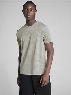 GapFit Performance T-Shirt in Camo