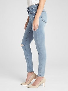 Soft Wear Mid Rise Curvy True Skinny Jeans