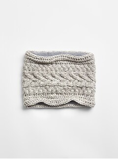 Cable-Knit Neckwarmer