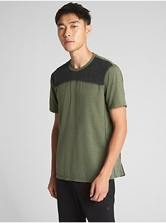 GapFit Colorblock Sport T-Shirt