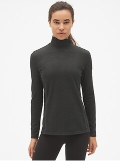 GapFit Maximum Heat Base Layer Turtleneck Top