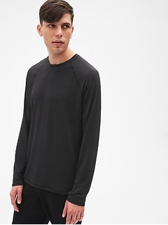 GapFit Breathe Long Sleeve Crewneck T-Shirt