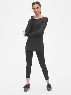 GapFit Long Sleeve Boatneck Top
