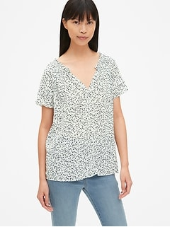 Floral Print Flutter Sleeve Split-Neck Top