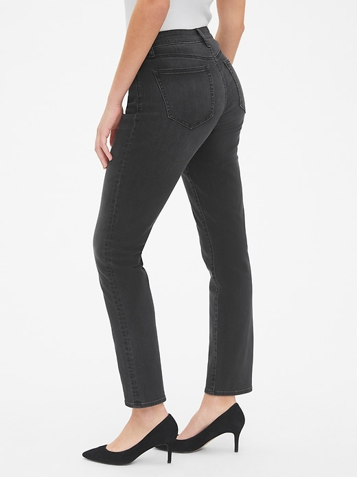Mid Rise Curvy Classic Straight Jeans