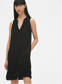 Sleeveless Split-Neck Swing Dress