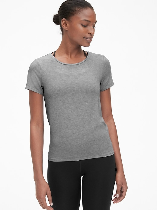 GapFit Breathe Short Sleeve Tie-Back T-Shirt
