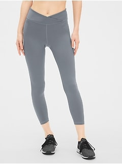 GapFit Crossover Waist 7/8 Leggings in Eclipse