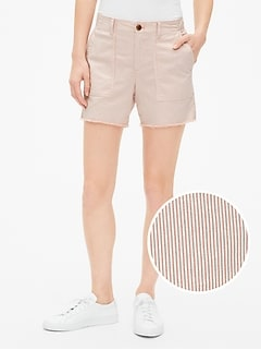 "5"" Girlfriend Chino Stripe Shorts with Raw Hem"