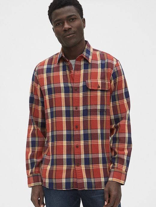 Plaid Flannel Shirt in Standard Fit