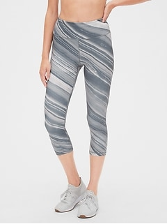 GapFit Print Capris in Eclipse