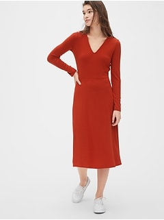 Fit and Flare Knit V-Neck Midi Dress