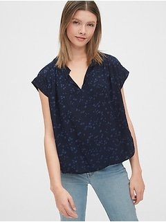 Print V-Neck Popover Top