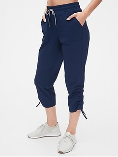 GapFit Ruched Hiking Capris