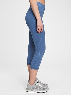 GapFit High Rise Capris in Eclipse